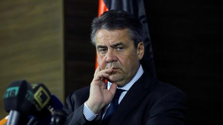 Berlin reagiert mit den Maßnahmen auf die Festnahme des Amnesty-International-Vertreters Peter Steudtner. Die Türkei verbittet sich ihrerseits eine Einmischung in ihre inneren Angelegenheiten.