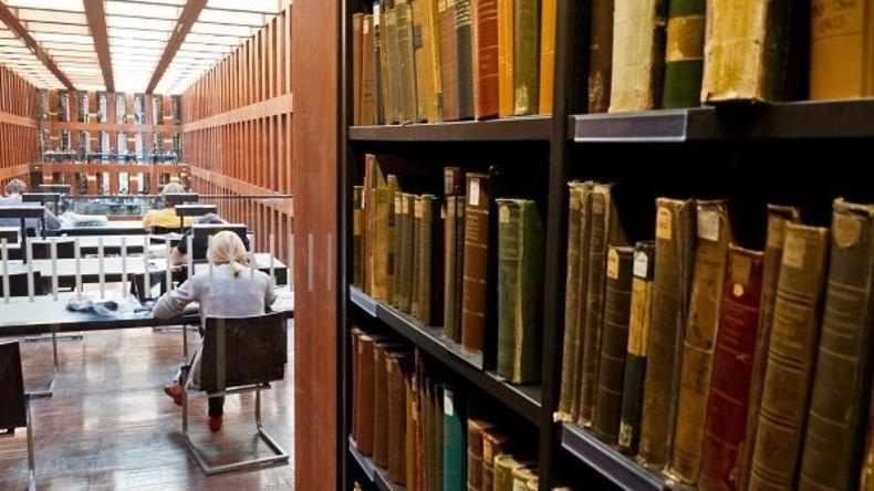 Humboldt-Uni will fünf Kilometer Bücher entstauben