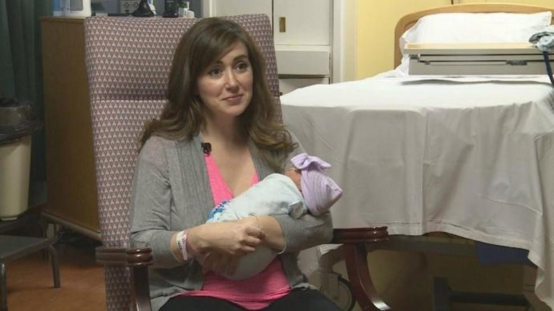 USA: Schwangere Ärztin hilft bei Geburt und bringt dann eigenes Kind zur Welt