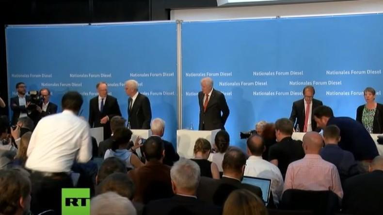 LIVE: Pressekonferenz im Anschluss an Diesel-Gipfel in Berlin
