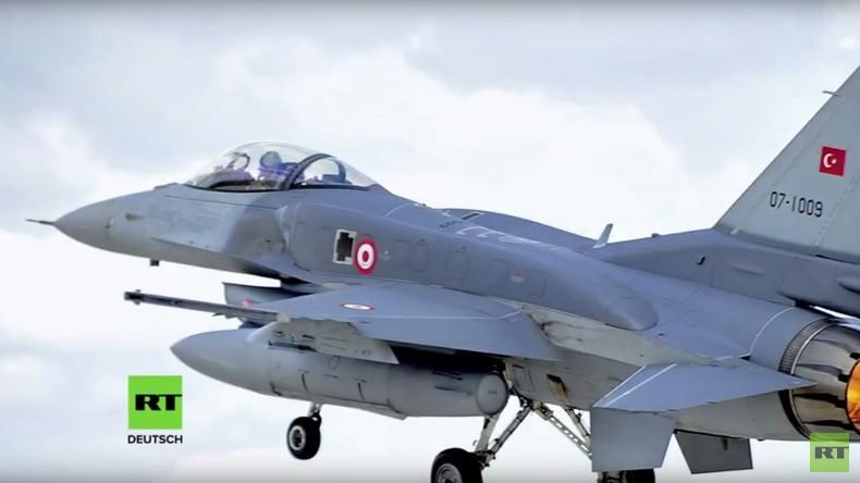 Was machen türkische Kampfjets über dem Kölner Nachthimmel?