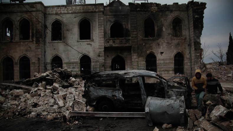 Autobombenexplosion am Hauptquartier von Al-Kaida-Ableger in Syrien