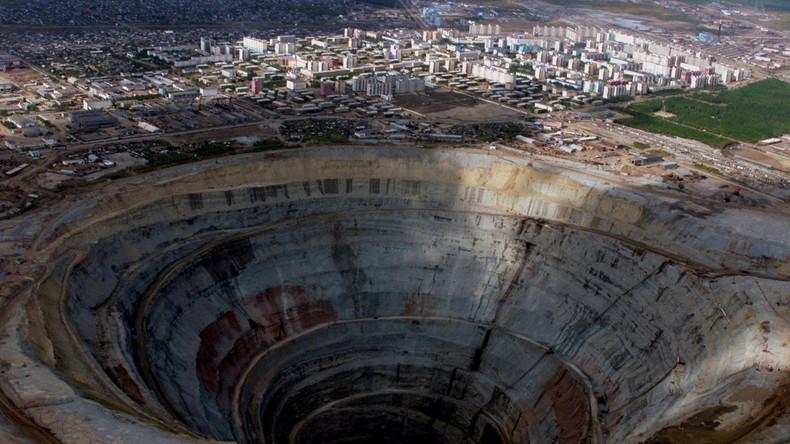 Neun Arbeiter nach Überschwemmung in Diamantenmine in Sibirien vermisst