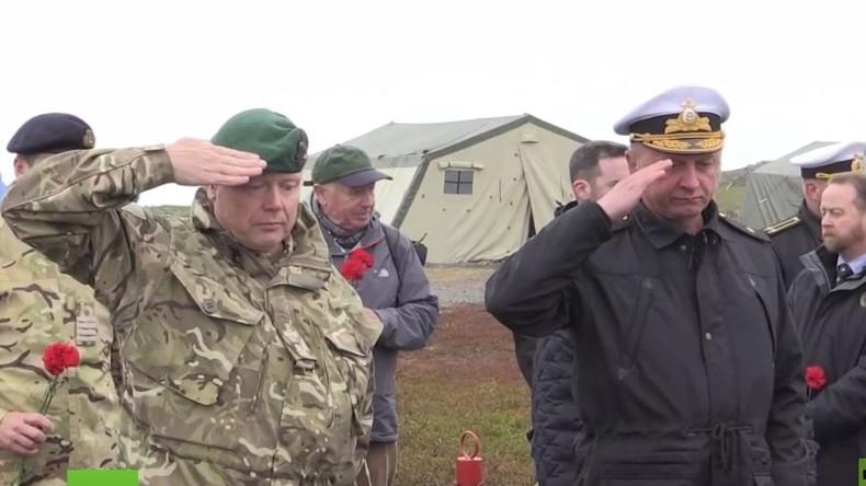 Briten und Russen gedenken gemeinsam: Denkmal für britische und sowjetische WK2-Piloten enthüllt