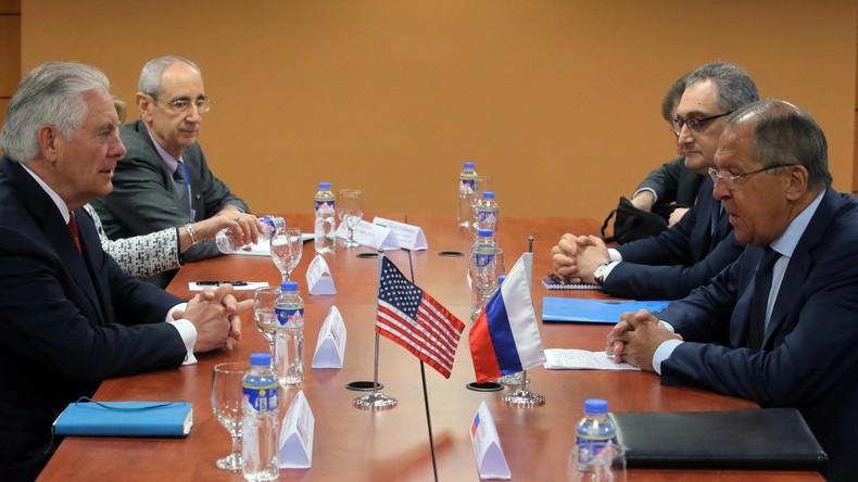 Sergei Lawrow trifft seinen US-Amtskollegen Rex Tillerson in Manila