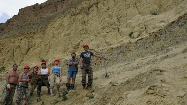 Russische Forscher entdecken Überreste von Mammuts und Dinosauriern in Sibirien