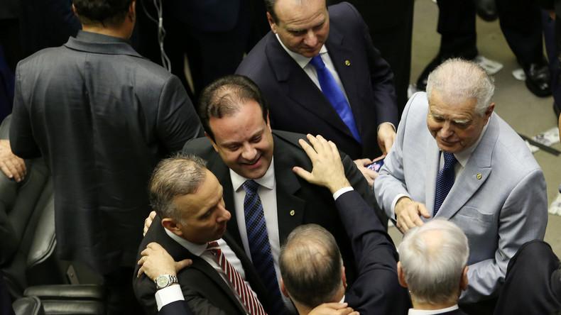 Brasilien und westliche Doppelmoral: Regierung schützt sich selbst vor Korruptionsermittlungen