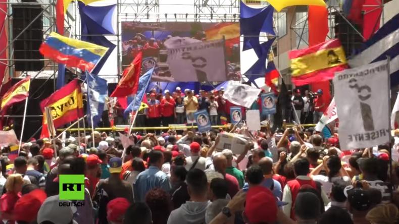 Venezuela: Tausende Unterstützer der neu gewählten Nationalversammlung demonstrieren in Caracas