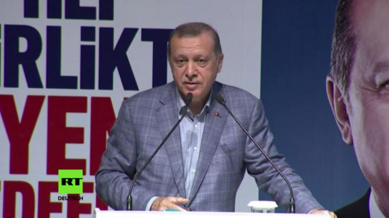 """Türkei: """"Dieses Deutschland hilft Terroristen"""" – Erdogan greift Merkel an"""