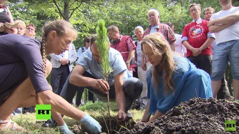 Bäume für die Freundschaft: Druschba-Fahrt-Teilnehmer pflanzen Zedern in Moskau