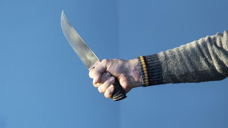 Mann attackiert Frau mit Küchenmesser in Leipzig