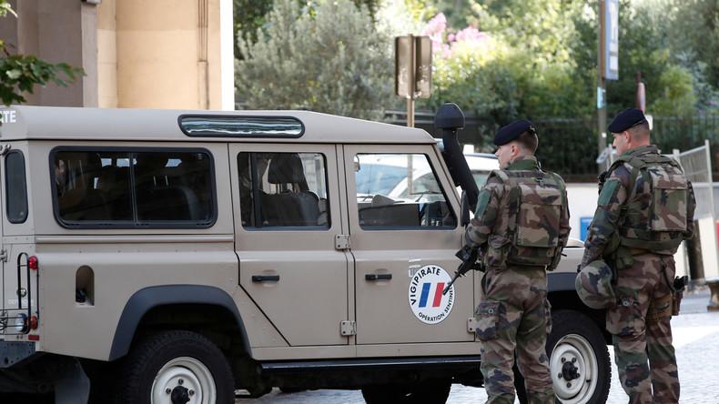 Paris: Auto rast in Gruppe von Soldaten - mindestens sechs Verletzte - LIVE