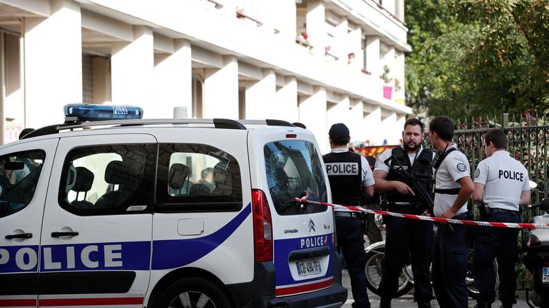 Live aus Pariser Vorort Levallois-Perret nachdem Fahrzeug in eine Gruppe von Soldaten raste