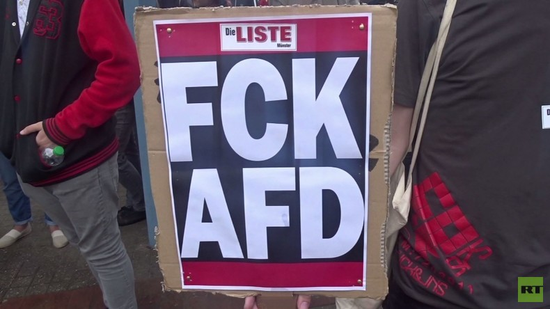 """AfD Wahlkampf-Sitzung: Die meisten Flüchtlinge sind nicht """"Schutzsuchende"""" sondern """"Schatzsuchende"""""""