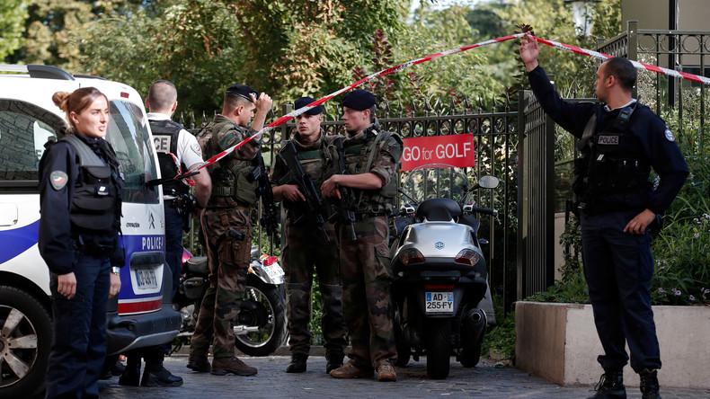 Fotostrecke zum Auto-Angriff auf französische Soldaten in Paris