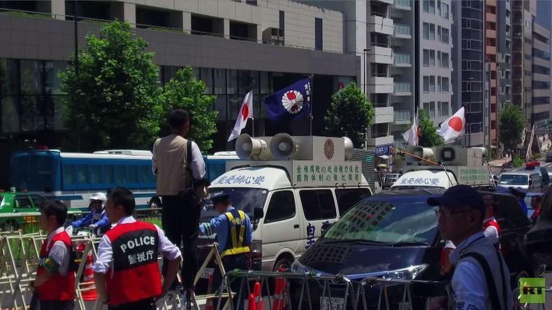 Tokio: Nationalisten protestieren vor Botschaft gegen Anwesenheit Russlands in äußerer Mandschurei
