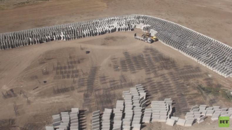 Türkei: Gouverneur von Ağrı besucht Baustelle zu türkisch-iranischer Grenzmauer [Slideshow]