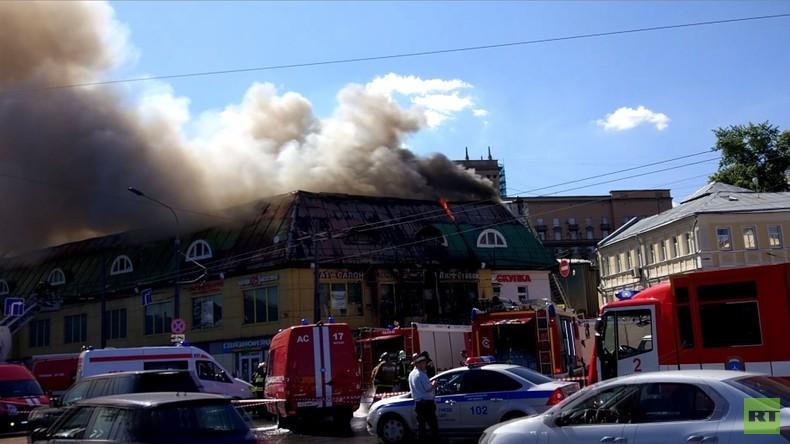 Russland: Feuer im Moskauer Einkaufszentrum am Taganskaja-Platz