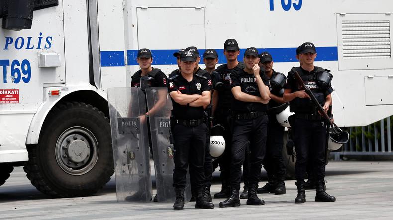 Razzien gegen Journalisten in Türkei - 35 Festnahmen angeordnet
