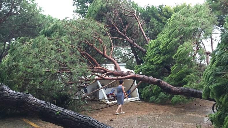 Verletzte nach Unwettern in Norditalien - Zehntausende ohne Strom