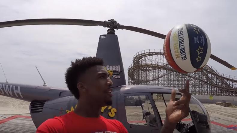 Perfekter Wurf: US-Basketballspieler trifft Korb vom Hubschrauber aus [VIDEO]