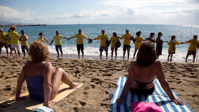 Aus Protest gegen den Massentourismus: Spanier verhindern Sprung ins kühle Nass