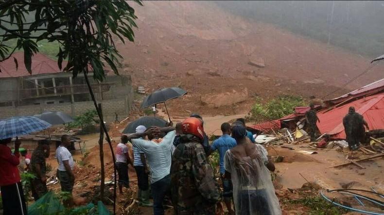Erdrutsch in Sierra Leone fordert mindestens 180 Menschenleben [VIDEOS, FOTOS]