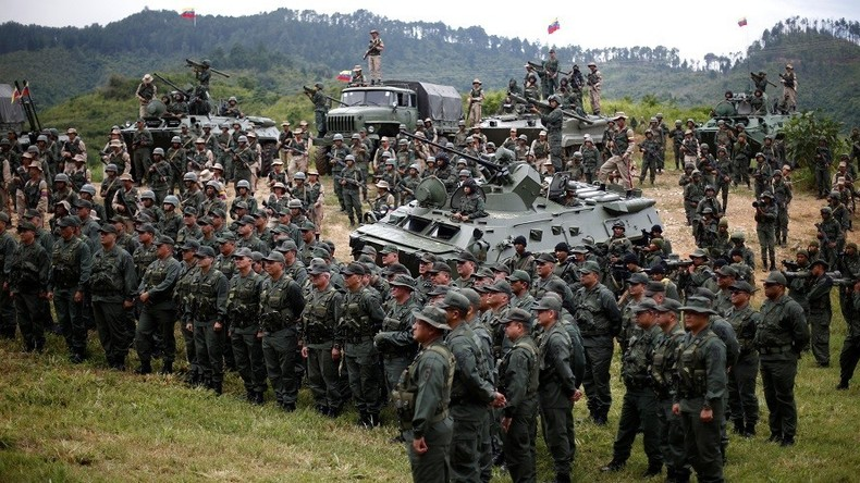 """Nach Trumps Drohung mit Intervention: Maduro ruft zu """"antiimperialistischem"""" Militärmanöver auf"""