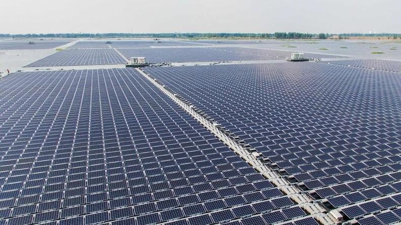 Weltgrößter schwimmender Solarpark in China am Netz [VIDEO]
