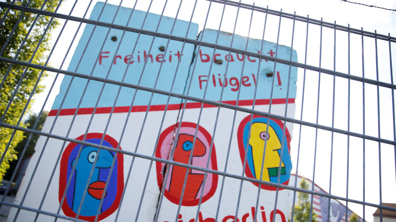 Insolvenz von Air Berlin: Soziale Medien beschuldigen Bushido - Ryanair reicht Klage ein
