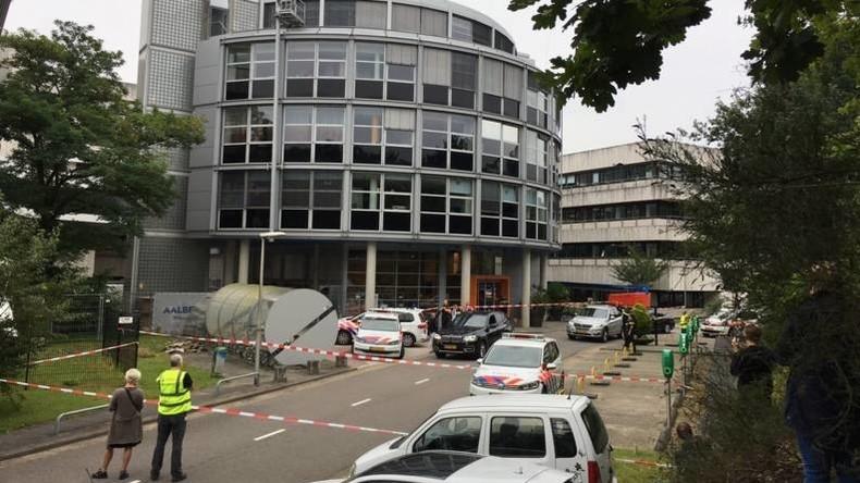 Geiselnahme beim niederländischen Radiosender – Gebäude abgeriegelt, Übertragung läuft weiter