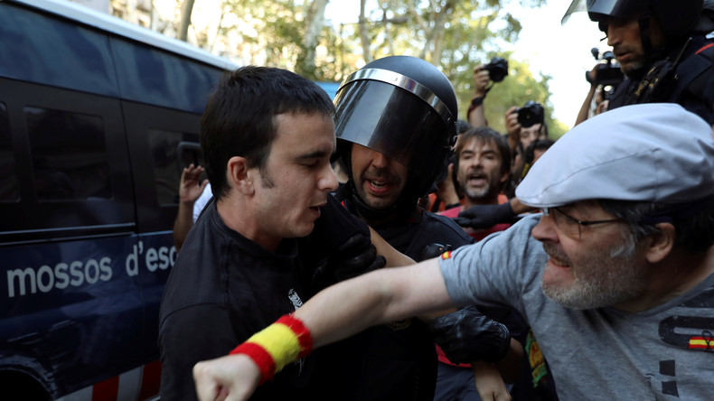 Panik durch Auseinandersetzungen zwischen Rechten und Linken in Barcelona