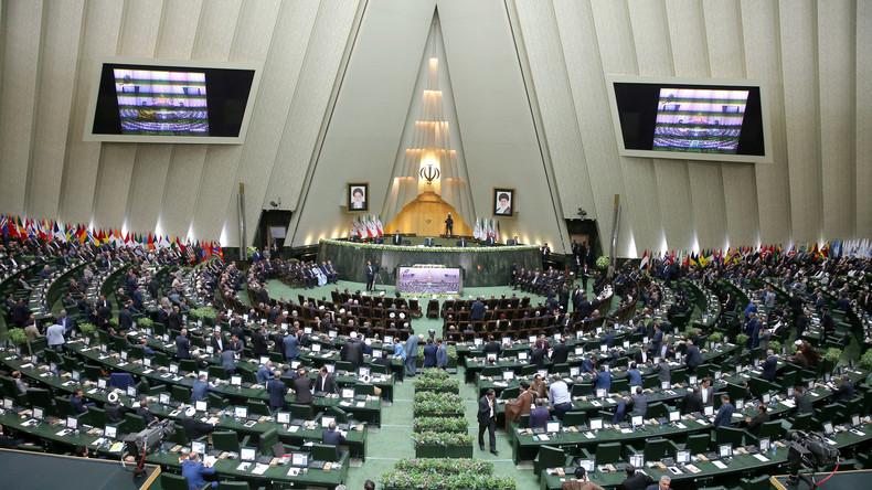 Iranisches Parlament bestätigt neues Kabinett