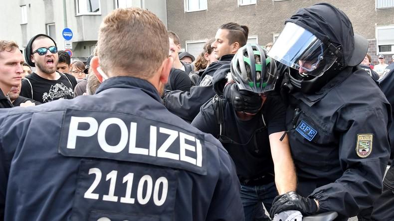 Neonazis gegen Antifaschisten: In Berlin fliegen Fäuste