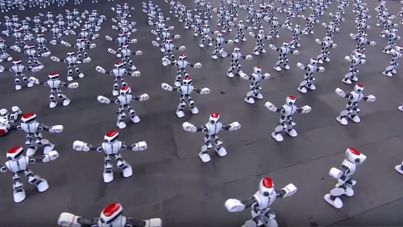 Des Guinness-Weltrekords wegen: 1.069 chinesische Roboter tanzen Twerk [VIDEO]