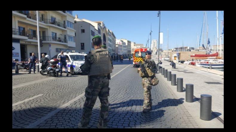 Auto fährt Fußgänger an Bushaltestellen in Marseille an – Frau tot, eine weitere schwer verletzt