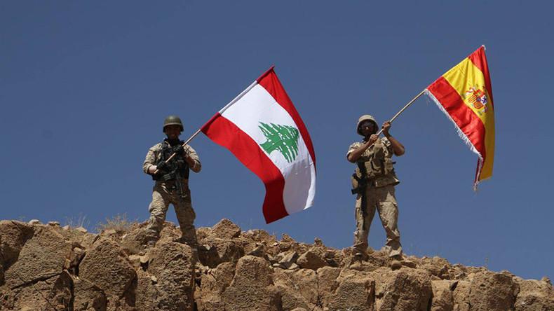 Libanesische Armee überrennt IS-Stellungen und hisst spanische Fahne für Terroropfer
