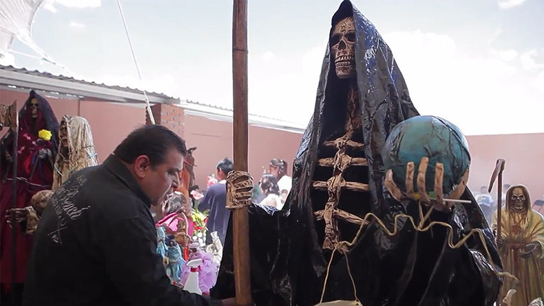 Santa Muerte: Tausende Pilger verehren Heiligen Tod in Mexiko