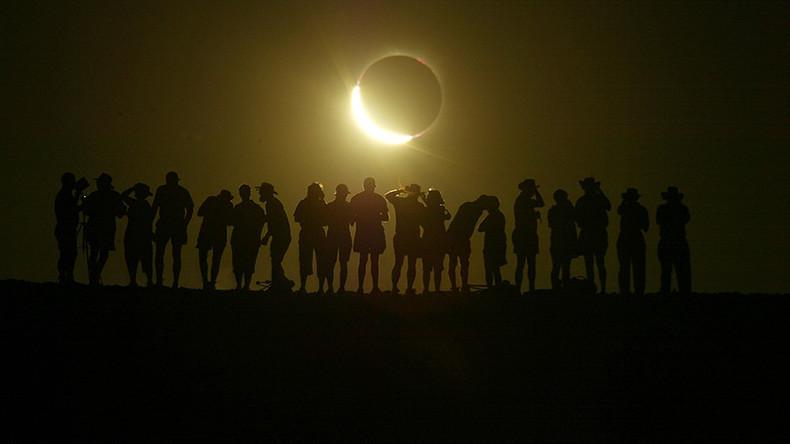 Hype um amerikanische Sonnenfinsternis und Kriegs-Prophezeiungen