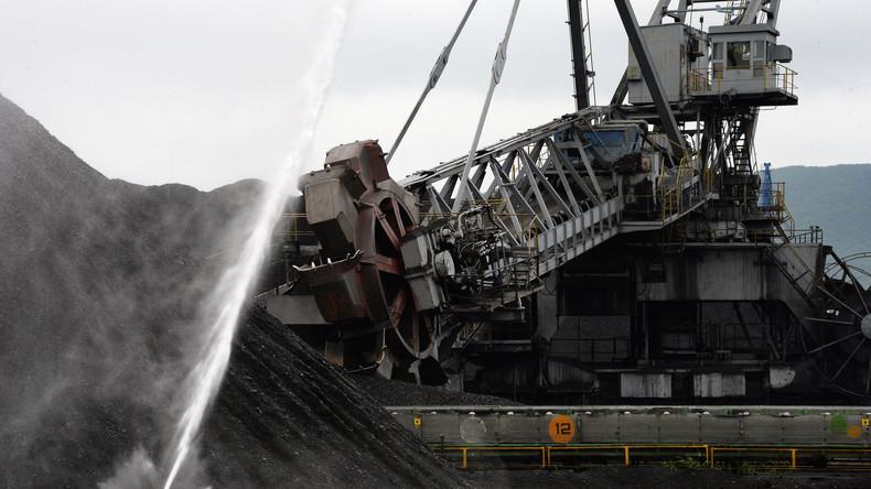 Erste Kohlelieferung aus den USA in die Ukraine verschifft