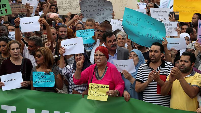Nach Anschlag: Tausende Muslime demonstrieren in Barcelona gegen Terror [FOTOS]