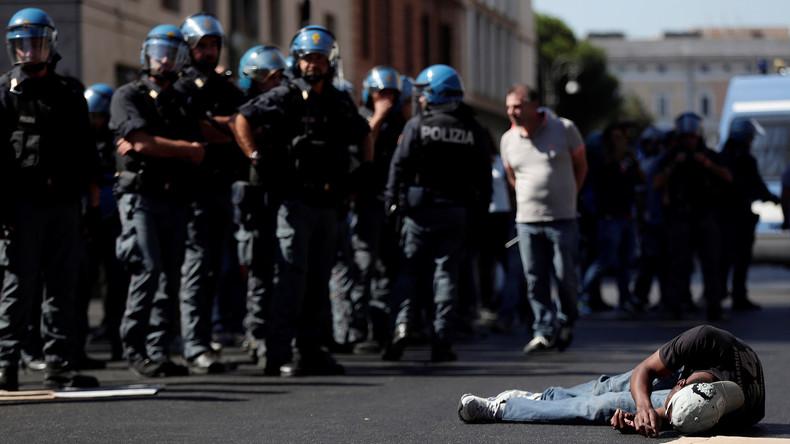 LIVE: Auseinandersetzungen in Rom nachdem Polizei von Migranten besetztes Haus räumt