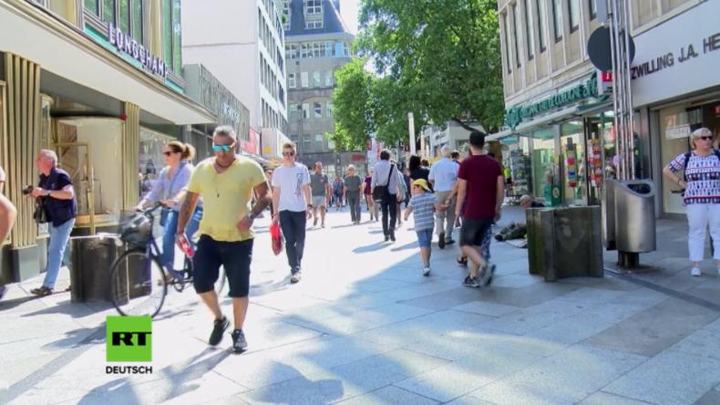 """Anti-Terror-Barrieren am Kölner Dom: """"Hier passen immer noch Autos durch"""""""