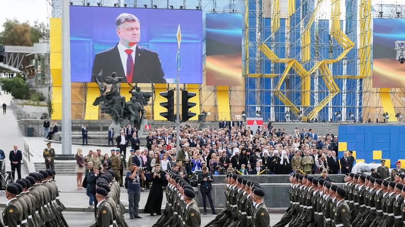 Ukrainischer Unabhängigkeitstag: Militärparade vor NATO-Verteidigungsministern [VIDEO]