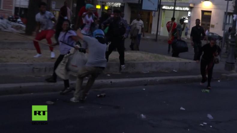 Rom: Polizei setzt Wasserwerfer gegen protestierende Migranten ein