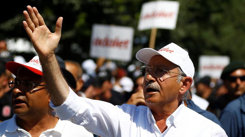"""Türkischer Oppositionsführer fordert bei """"Gerechtigkeitskongress"""" mehr Demokratie"""