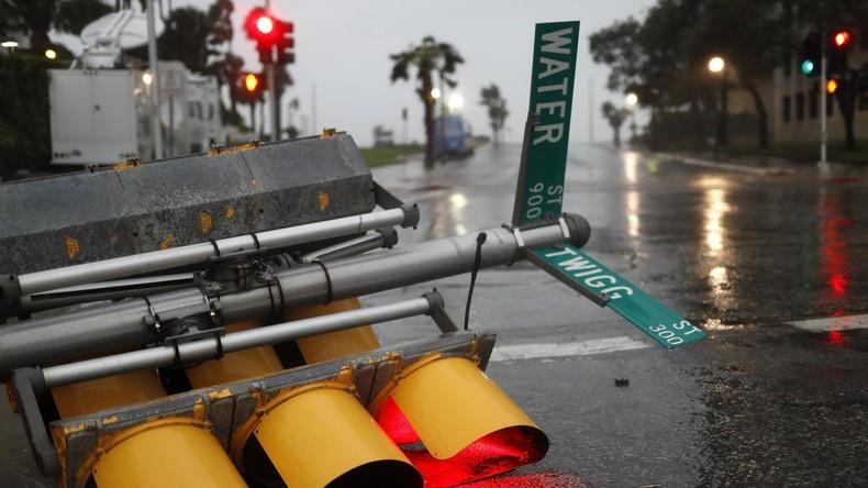 """Hurrikan """"Harvey"""" kappt Strom für mehr als 200.000 Menschen"""