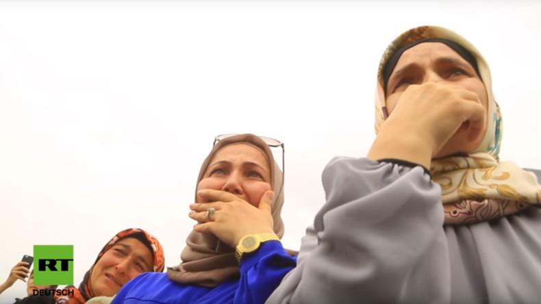 Tränen und Umarmungen: Verwaiste Kinder von IS-Kämpfern kehren nach Russland zurück