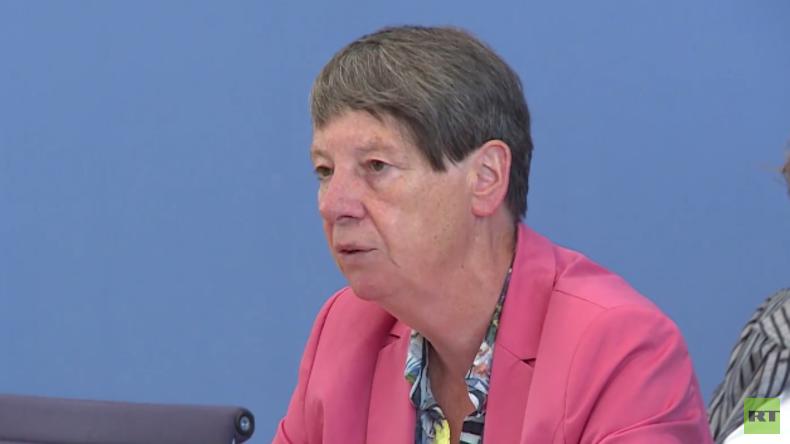 """Tag der offenen Tür Berlin, Teil 2: Umweltministerin Hendricks zu """"Dieselgate"""""""