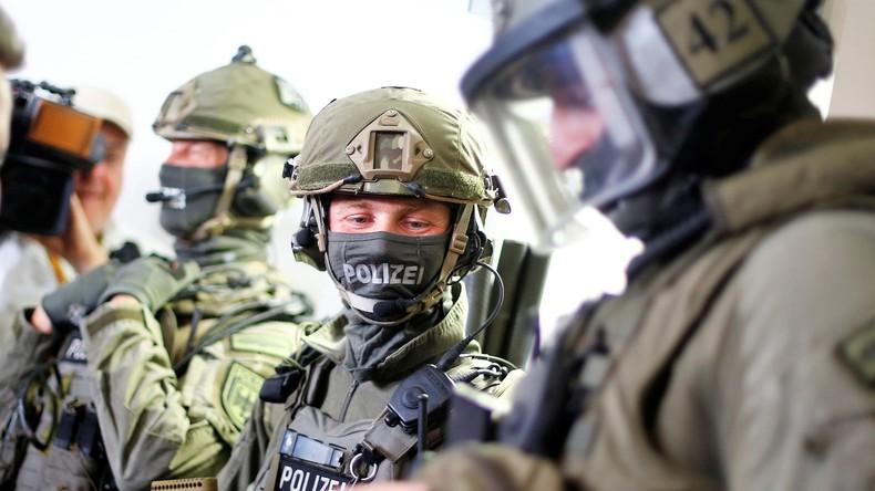 """Gewaltfantasien oder Terrorverdacht? Razzien bei """"Preppern"""" im Mecklenburg-Vorpommern"""